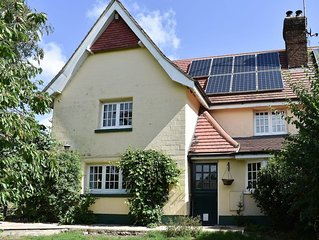 3 bedroom accommodation in Briantspuddle, near Dorchester
