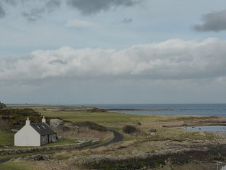 Charming seaside cottage near Crail with spectacular views