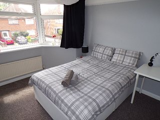 4 bedroom / 8 guest home near city centre