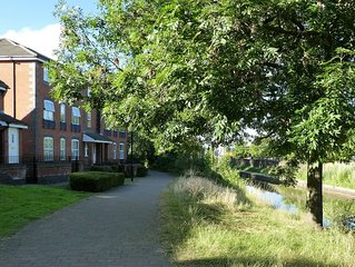 CANAL-SIDE APARTMENT, COVENTRY CITY CENTRE. overlooking the water.