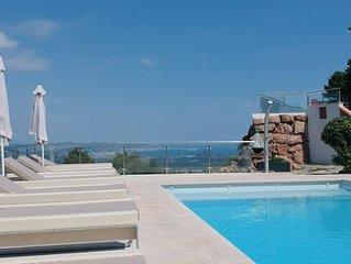 Villa moderne avec splendide vue mer&montagne,piscine chauffee, climatisation