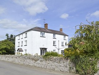 10 bedroom accommodation in Craven Arms