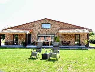New, tasteful family home, centrally located between Breskens and the coast.