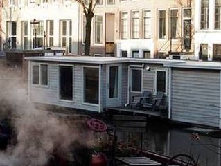 Houseboat city centre, cosy and luxury.