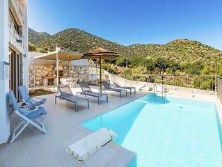 Villa Mandarini: Large Private Pool, Sea Views, A/C, WiFi