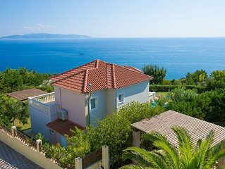 Spacious Luxury Villa private 10 x 5 pool and breathtaking views to the Ionian S