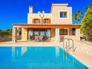 Luxury Villa Rodia with private swimming pool