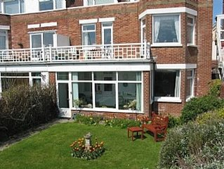 Bexhill-on-sea Seafront Holiday Apartment close to all local amenities