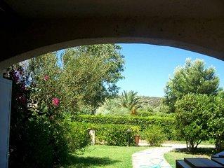 Villetta a schiera capofila con giardino a 500 m dalla spiaggia