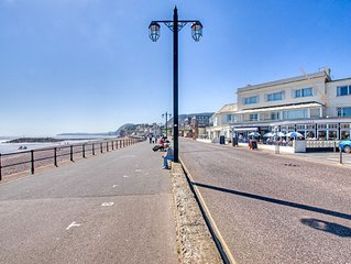 Superb seafront apartment in Sidmouth, Devon, with stunning sea views