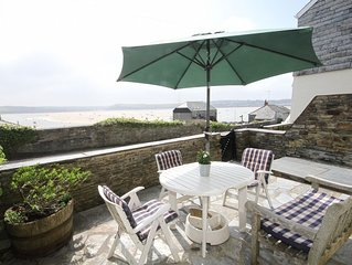 Attractive 3 storey Holiday Cottage overlooking the River Camel in Rock