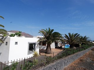 Villa Del Mar 3BR, 3Bth frontline to the prestigious Aguamarina