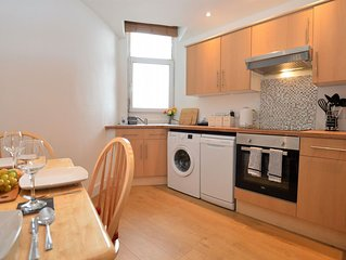 Town View Apartment, town centre Dunoon, pet friendly sleeps 4