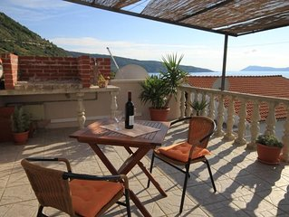 Studio flat with terrace and sea view Komiža (Vis) (AS-8911-b)