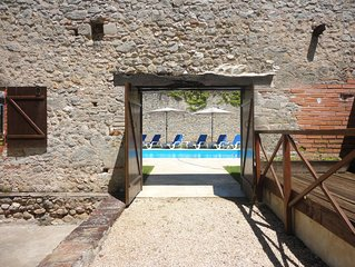 Spacious Cottage, private pool with great views, good for hiking, golf opposite