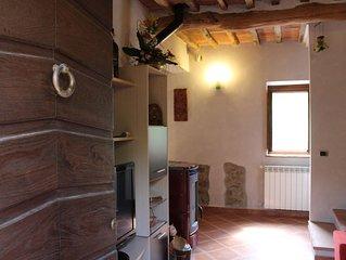 Casa indipendente per 4 persone nel verde delle colline toscane a 7 km da Lucca