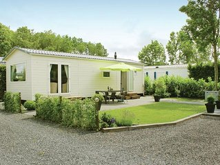 Nice chalet with a combi microwave, near the Wadden Sea