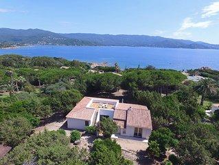 Tres belle villa vue sur mer situee sur la celebre presqu'ile de L'Isolella