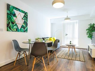 Modern design 1 bedroom apartment in the city centre