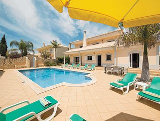 Large villa great for families, with all modern amenities, Wii and Wi-Fi, close