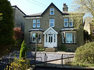 Spacious stylish house for group stays in  beautiful Buxton, pet friendly.