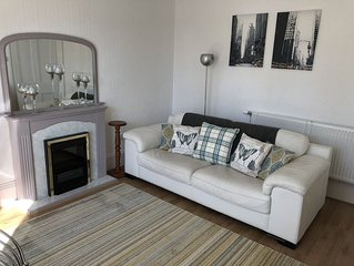 First Floor Victorian Apartment In The Very Heart Of Inverness. Private Parking