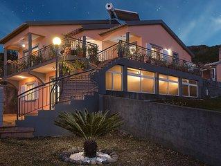 Paradise House Calheta. Casa inteira com 3 quartos, 1km da praia da calheta