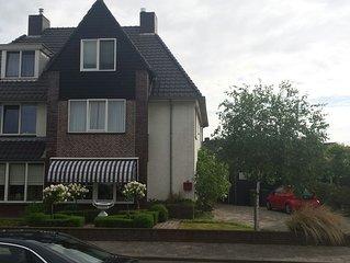 Ruime 2 onder 1 kapwoning/gezinswoning in Middelburg nabij centrum en stranden