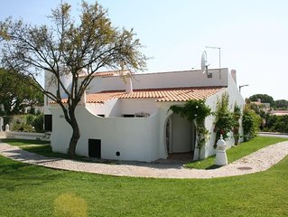 Fabulous villa - Private pool - Good location - Close to beach, golf, and tennis