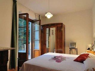Elegante camera all'interno di Casa Dina Cortona                 .