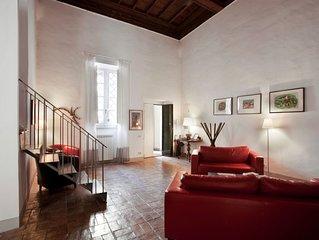 Un grande appartamento a un minuto da Piazza Navona, nel cuore di Roma