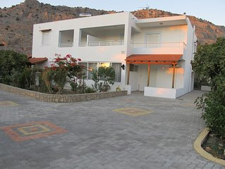 Two-bedroom apartment close to the shoping centre and the main beach of Pefkos.