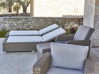 Luxury pool villa !!!!