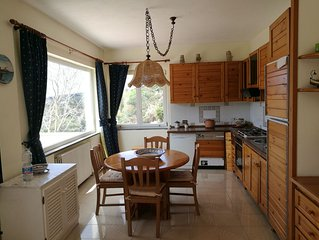 Magnifica casa panoramica a San Francesco, ideale per famiglie.