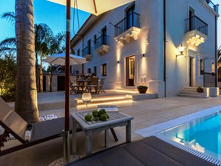 Villa Raphael, luxury property with swimming pool and sea view