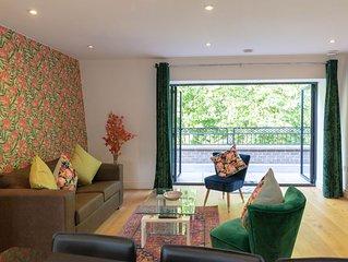 Cambridge City Centre Penthouse with Terrace & 5 mins walk to Colleges & Centre