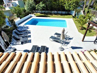 10% DISCOUNT SEPTEMBER Lovely 5 bedroom villa, 10 minutes walk from Garrao beach