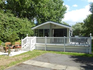 Well appointed 2 Bedroom / 2 Bathroom Holiday Lodge at Shorefield Country Park