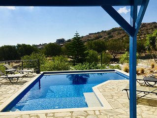Private two bedroom villa, just 750 metres from Plaka, pool, garden, great views
