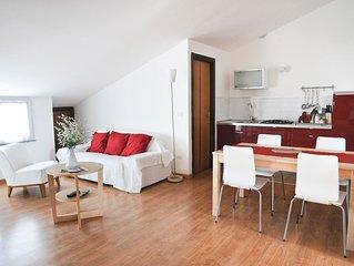 Delizioso appartamento mansardato in centro paese