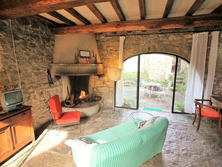 Casa Arco: Charming Cottage With Shared Pool And Valley Views near Florence