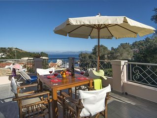 Mimika - 2 bedroom village house in beautiful Loggos - terrace and sea views