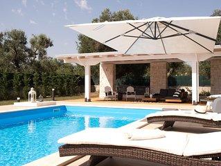 Ottima villa per vacanze all'insegna del relax e della tranquillita con piscina