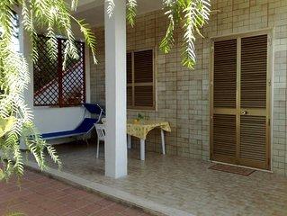 Comoda ed Ampia Abitazione con Veranda in Villa Smart Location