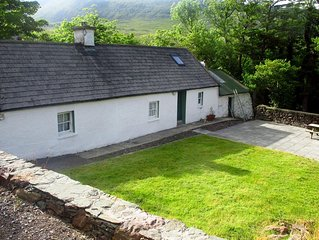 Traditional stone cottage, near Dingle and the Wild Atlantic Way…