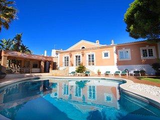 Casa Bruella, 3 Bedrooms, Pool, Air-Con, Walk to beach, WiFi, BBQ