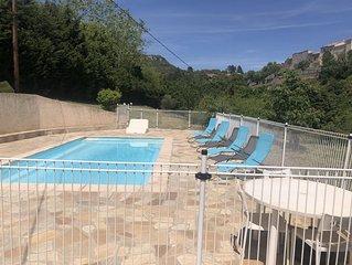 Jolie maison provençale de plain pied avec piscine privée