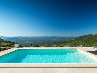 Unique designer villa overlooking Motovun