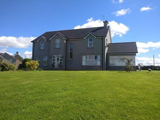 Detached Country House Overlooking River Bann - Sleeps 10