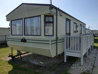 6 Berth Holiday Caravan close to Beach and Fantasy Island
